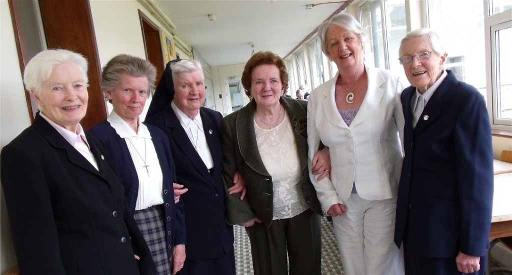 Sisters Mary Keogh, Ellen Keating and Bernardine Rush with Rosarii and her two sisters